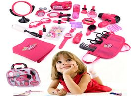 Foto van: Speelgoed girls make up toy set pretend play toys simulation makeup bag beauty hair salon tools kit