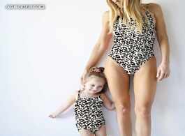 Foto van: Baby peuter benodigdheden mother daughter matching swimsuit leopard family look mommy and me bikini